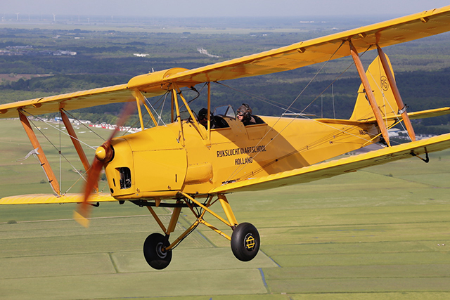 Pim_van_Dam_TigerMoth_640_480.jpg